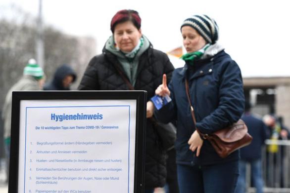 Tăng hơn 100 ca COVID-19 trong một ngày, giới làm ăn ở Đức lo lắng - Ảnh 1.