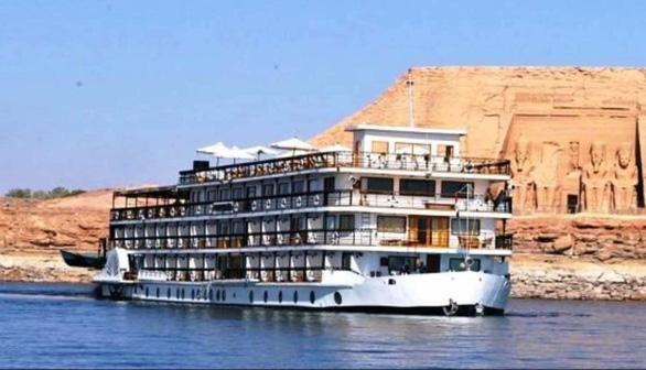 Một du thuyền trên sông Nile có 44 ca dương tính với virus SARS-CoV-2 - Ảnh 1.