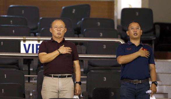 Ông Park hài lòng khi xem cậu học trò Văn Đức thi đấu trở lại sau 1 năm chấn thương - Ảnh 2.