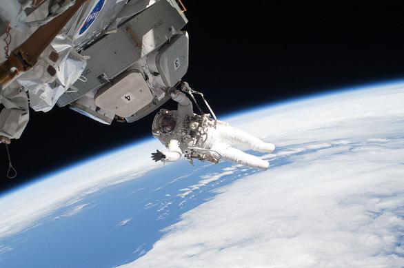 NASA mở đợt xét tuyển người lên Mặt trăng, 1 chọi 1.300  - Ảnh 1.