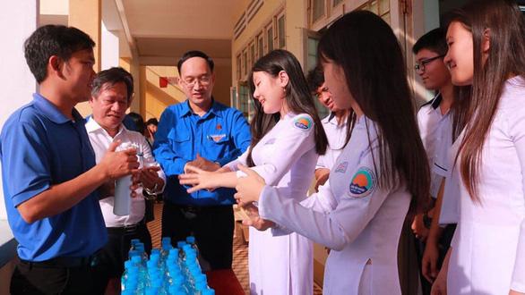 Phú Yên bất ngờ cho toàn bộ các trường trong tỉnh nghỉ từ ngày 10-3 - Ảnh 1.