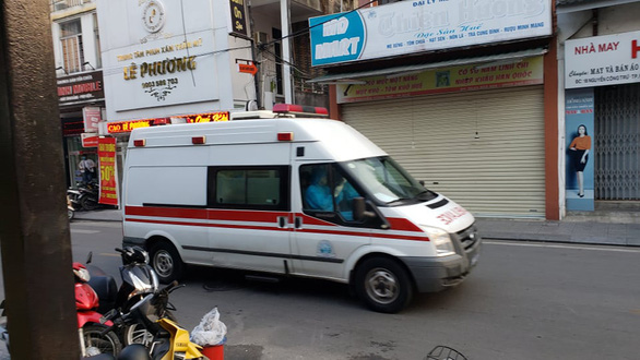 Huế không phong tỏa đường Phạm Ngũ Lão như ở phố Trúc Bạch - Ảnh 2.