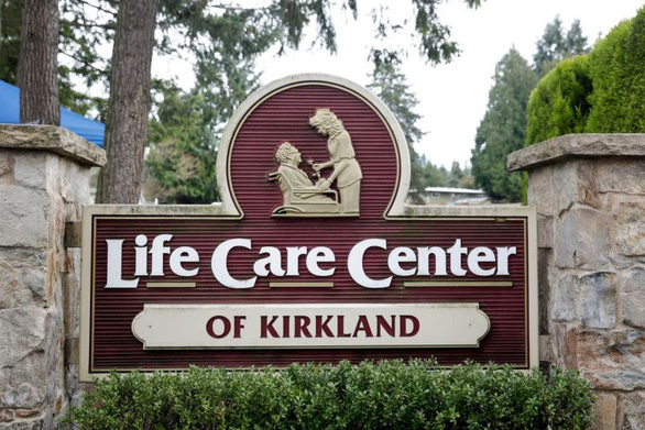 Gần nửa nhân viên của viện dưỡng lão tại Seattle có triệu chứng COVID-19 - Ảnh 1.