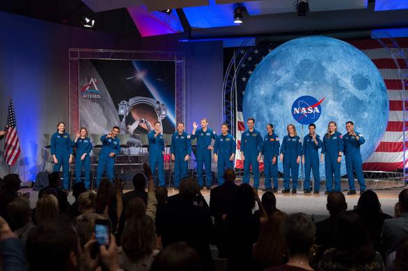 NASA mở đợt xét tuyển người lên Mặt trăng, 1 chọi 1.300  - Ảnh 2.
