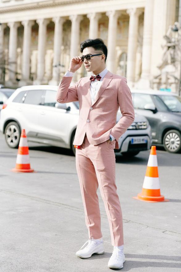 Vũ Khắc Tiệp và các sao Việt dự tuần lễ thời trang ở Milan, Paris đợt COVID-19 - Ảnh 10.