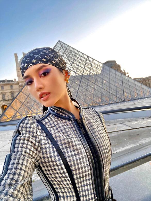Vũ Khắc Tiệp và các sao Việt dự tuần lễ thời trang ở Milan, Paris đợt COVID-19 - Ảnh 6.