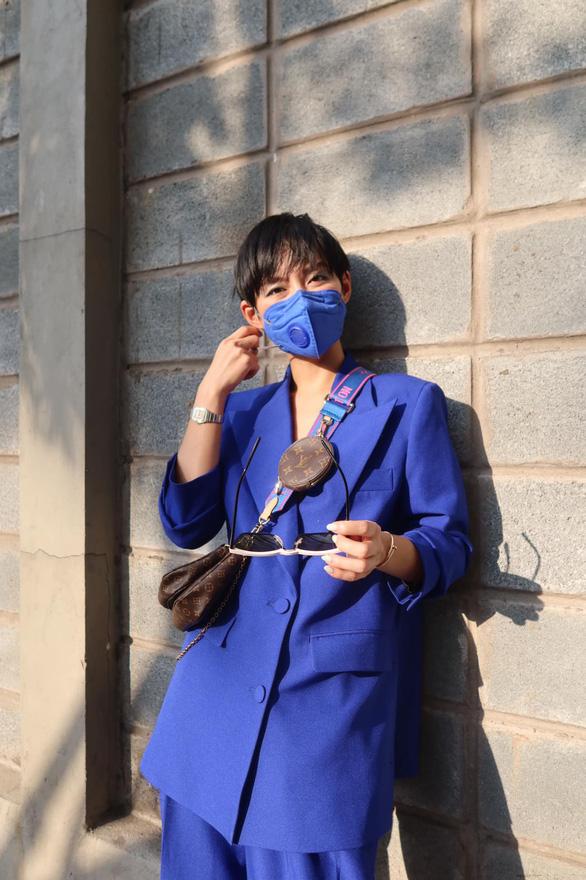 Vũ Khắc Tiệp và các sao Việt dự tuần lễ thời trang ở Milan, Paris đợt COVID-19 - Ảnh 7.