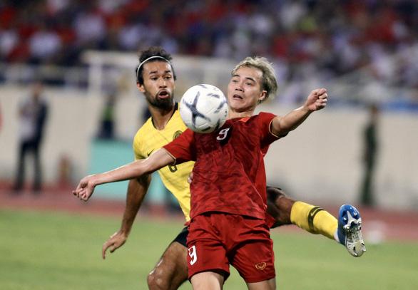 FIFA và AFC hoãn các trận đấu ở vòng loại World Cup 2022 trong đó có trận Malaysia - Việt Nam - Ảnh 1.
