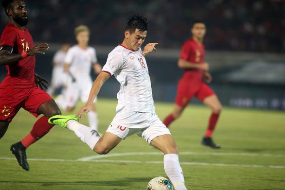 FIFA và AFC hoãn các trận đấu ở vòng loại World Cup 2022 trong đó có trận Malaysia - Việt Nam - Ảnh 2.