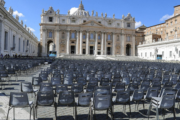 Nước Ý hoang vắng sau lệnh cách ly 16 triệu người - Ảnh 2.