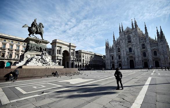 Nước Ý hoang vắng sau lệnh cách ly 16 triệu người - Ảnh 4.