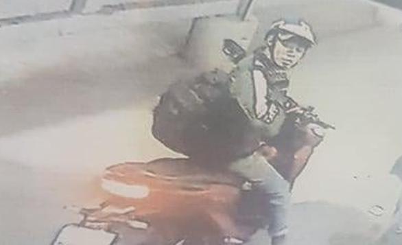 Truy tìm thanh niên đâm tài xế cướp xe ở huyện Nhà Bè - Ảnh 1.