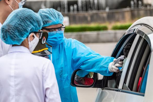 TP.HCM xác minh người từng đến Bệnh viện Bạch Mai từ 13-3 - Ảnh 1.