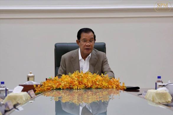 Thủ tướng Campuchia Hun Sen góp 7 tháng lương chống COVID-19 - Ảnh 1.