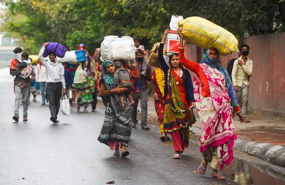 Hàng trăm triệu dân nghèo Ấn Độ sợ đói hơn sợ virus corona - Ảnh 5.