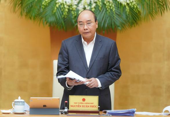 Thủ tướng muốn nâng gói hỗ trợ tài khóa từ 30.000 tỉ lên 150.000 tỉ đồng - Ảnh 1.