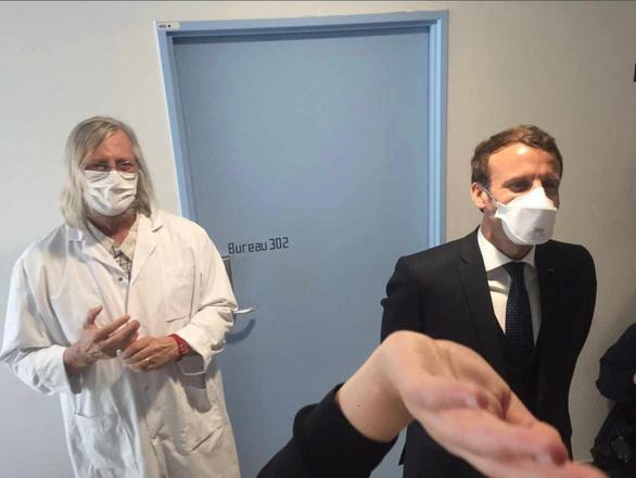 GS Pháp tiết lộ kết quả thử nghiệm thuốc sốt rét cho hơn 1.000 bệnh nhân - Ảnh 2.