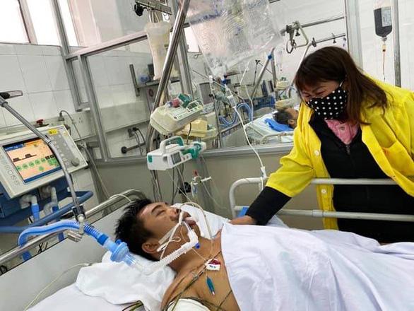 Nam thanh niên gặp tai nạn nguy kịch khi chống giặc corona - Ảnh 1.