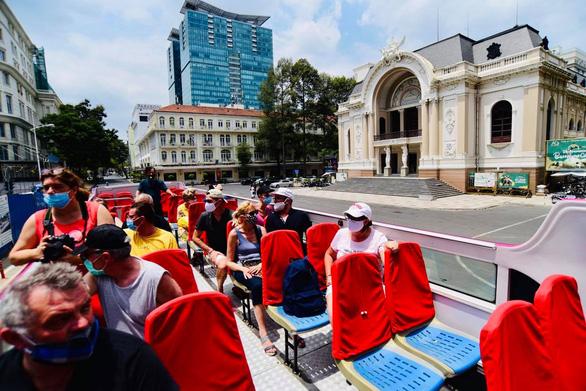 Rà soát số du khách nước ngoài còn mắc kẹt ở Việt Nam - Ảnh 1.