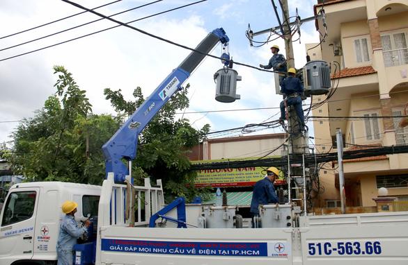 Tiêu thụ điện cả nước tăng quá cao, EVN khuyên người dân điều gì? - Ảnh 1.