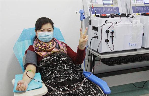 Âu, Mỹ dùng huyết tương điều trị cho bệnh nhân COVID-19 nặng - Ảnh 4.