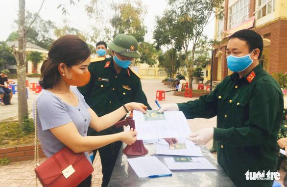 Hơn 700 người từ Bạch Mai về Nghệ An đều âm tính COVID-19 - Ảnh 2.