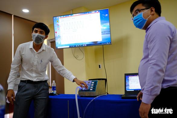 Đà Nẵng hỗ trợ ĐH Duy Tân chế tạo máy thở - Ảnh 1.