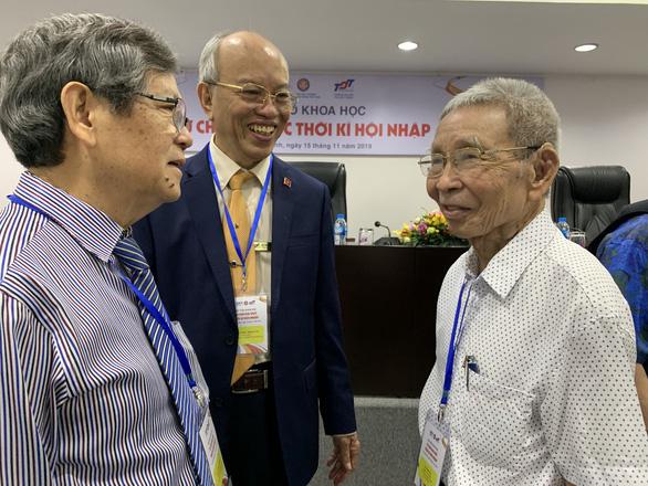 Giáo sư Phạm Phụ: Nên giao xét tốt nghiệp THPT cho địa phương - Ảnh 1.