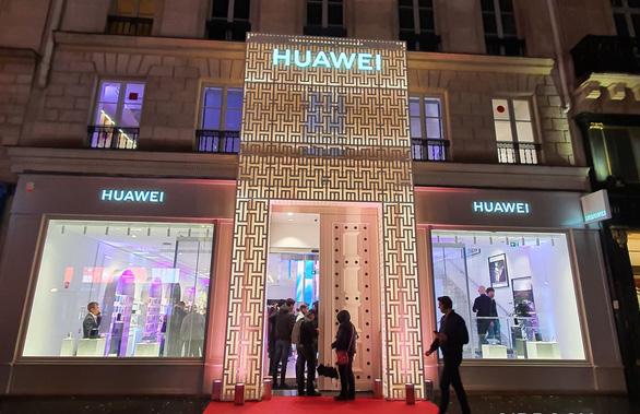 Trung Quốc dùng khẩu trang ép Pháp ưu tiên cho 5G của Huawei? - Ảnh 2.