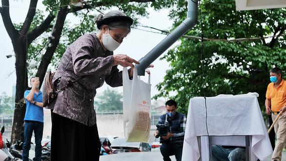 ATM gạo lan tỏa đến Hà Nội, Huế, Đà Nẵng - Ảnh 2.