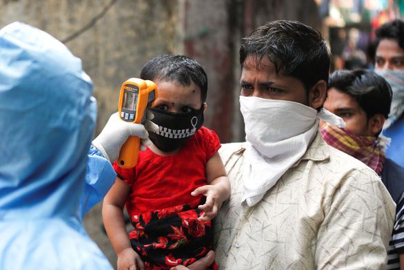 Dịch COVID-19 chiều 12-4: Tây Ban Nha gần 17.000 người chết, 60% ca nhiễm ở Iran khỏi bệnh - Ảnh 3.