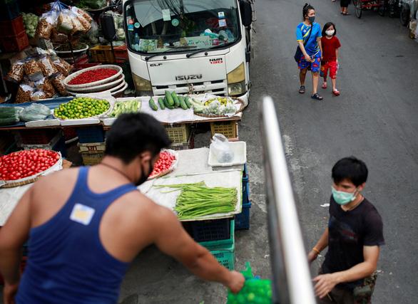Dân Thái sợ nhiễm virus corona nhiều hơn sợ đói - Ảnh 2.