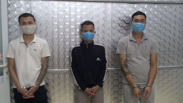 Bắt 11 thanh niên tụ tập hát karaoke, dùng ma túy bất chấp giãn cách phòng dịch - Ảnh 3.