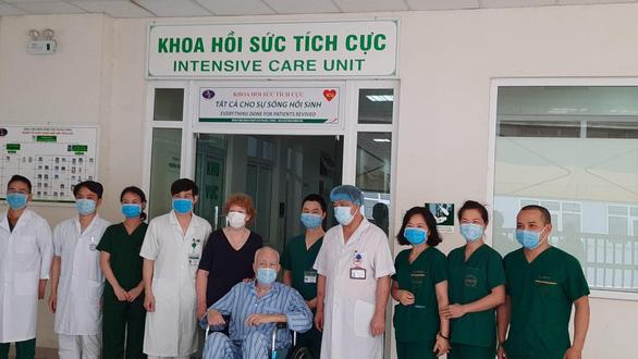 Thêm 17 bệnh nhân ra viện, cả nước còn 97 ca đang điều trị - Ảnh 2.