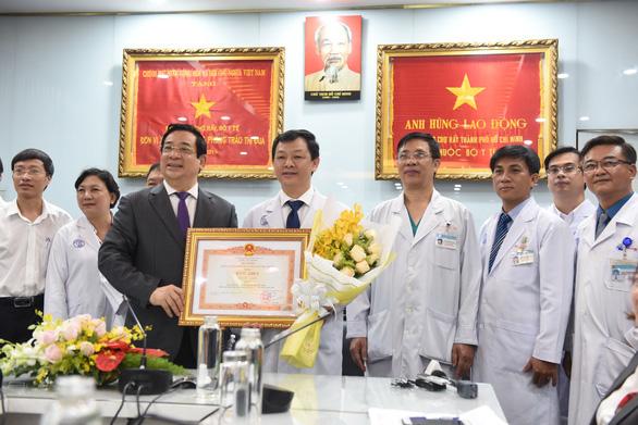 Thêm chế độ ưu đãi nhân viên y tế tham gia phòng chống COVID-19 tại TP.HCM - Ảnh 1.