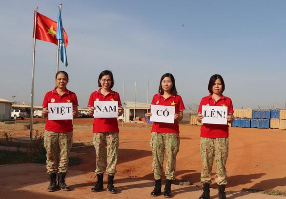 Bác sĩ Việt chống Cô-Vy ở Nam Sudan - Ảnh 2.