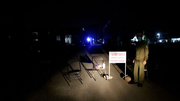 Phong tỏa nơi bệnh nhân 266 cư trú, xác định 28 người F1 - Ảnh 3.