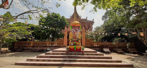 Cộng đồng người Khmer đón Tết cổ truyền, chung tay phòng ngừa COVID-19 - Ảnh 5.