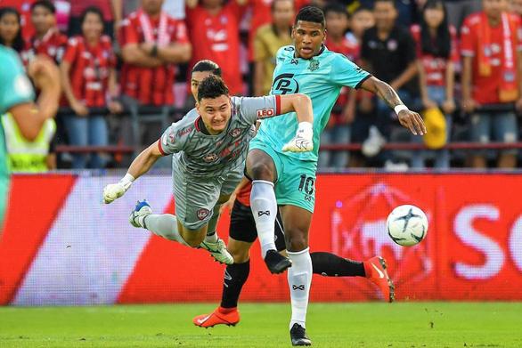 Thai-League ấn định ngày trở lại đầy bất ngờ, Văn Lâm thất nghiệp dài - Ảnh 1.