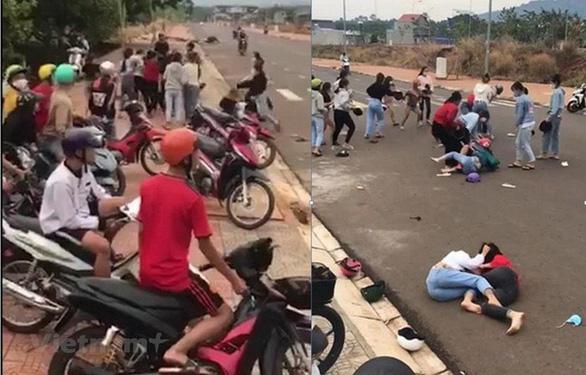 Xác minh video hàng chục thiếu nữ đánh nhau ở Bình Phước - Ảnh 1.