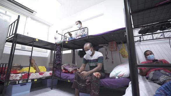 Ca nhiễm gần chạm mốc 4.000, Singapore tăng tốc bịt lỗ hổng ổ dịch nhập cư - Ảnh 2.