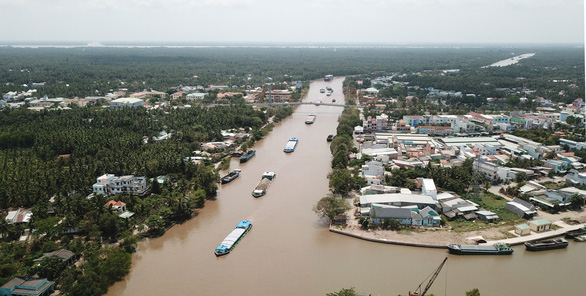 Gạo kẹt ở cảng, mỗi ngày doanh nghiệp bốc hơi chừng 350 triệu đồng - Ảnh 1.