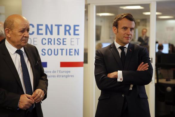 Pháp triệu đại sứ Trung Quốc sau bình luận để người già chết vì đói và bệnh - Ảnh 1.