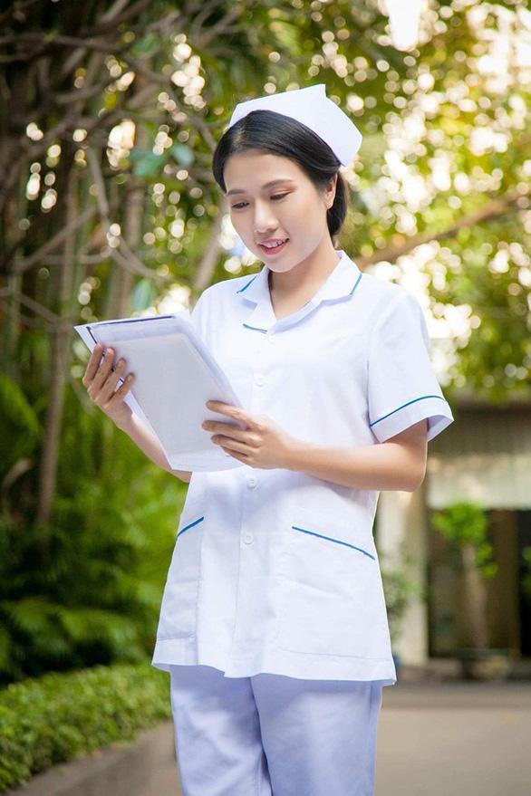 Diễn viên Thùy Dương - cô y tá vui tính trong phim Nắng 3 - Ảnh 1.