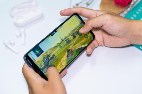 Sắm ngay Realme 6 tại Thế Giới Di Động để tránh dịch bớt nhàm chán - Ảnh 3.