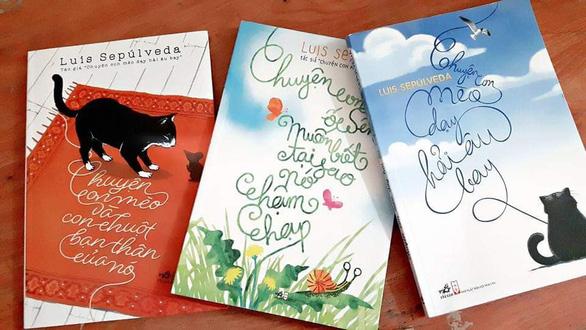 Nhà văn Luis Sepulveda - tác giả 'Lão già mê đọc truyện tình' - qua đời vì COVID-19 - Ảnh 2.