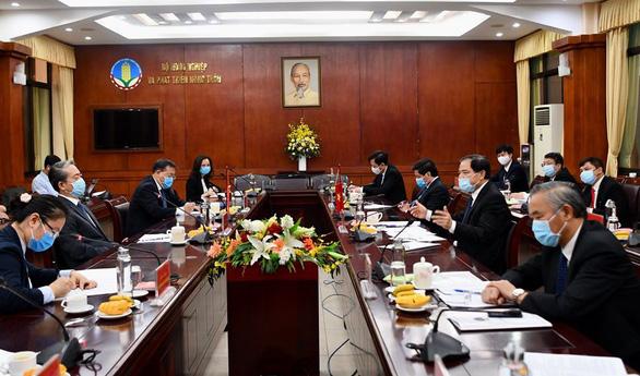 Đề nghị Trung Quốc kéo dài thời gian thông quan để gỡ khó cho xuất khẩu nông sản - Ảnh 2.