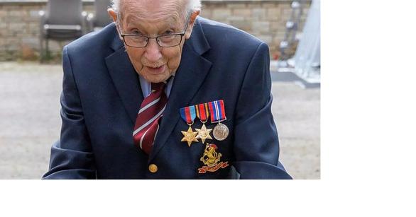 Cựu chiến binh Anh 99 tuổi quyên được 12 triệu bảng giúp y bác sĩ - Ảnh 1.