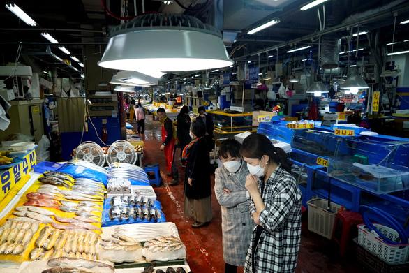 Hàn Quốc hỗ trợ mỗi gia đình khó khăn 19 triệu đồng - Ảnh 2.