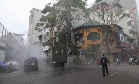 Cựu đại sứ Pháp: Việt Nam dùng sức mạnh và kỷ luật tập thể tiêu diệt corona - Ảnh 1.